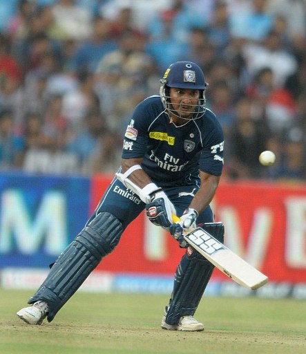 Kumar Sangakkara marked his return to form with a quick-fire half century.