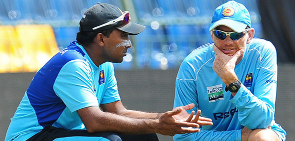 Mahela Jayawardene and coach Graham Ford in a discussion.