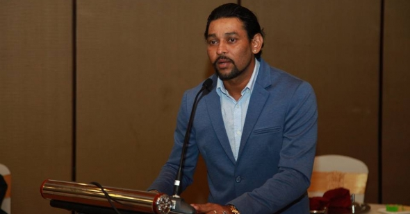 Tillakaratne Dilshan at an event for Asoka College (album)
