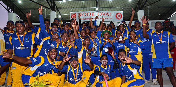 St. Peter's College and Sri Lanka Army Ladies teams celebrate their victory. © Murali Cup