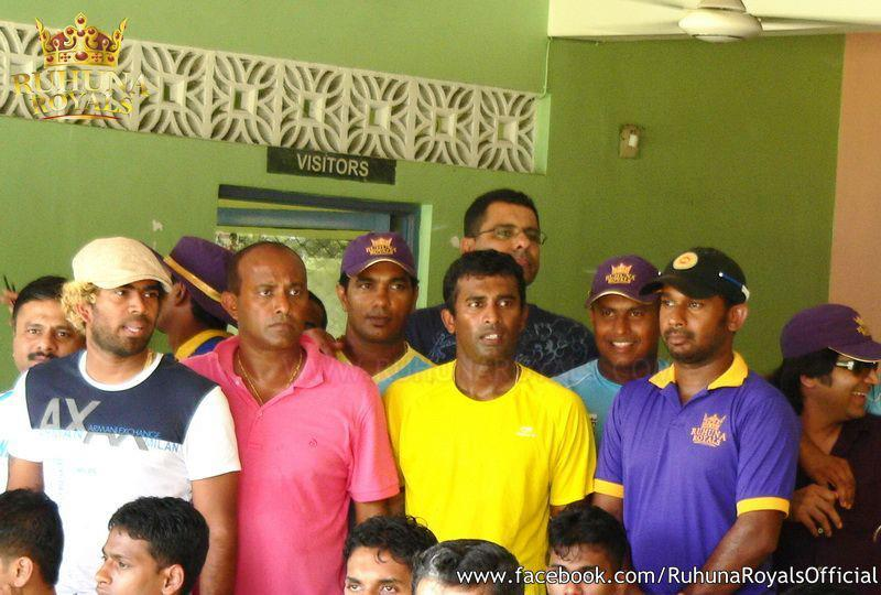 Ruhuna Royals squad at a practise match against Wayamba