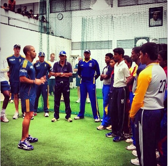 South African cricketers sharing their experience with Sri Lankan U17s