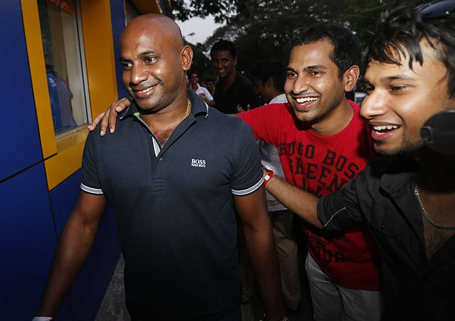 Jayasuriya, on his way to meet SL players in an attempt to resolve the stand-off
