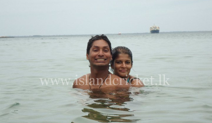 Sangakkara and Yehali enjoying a swim