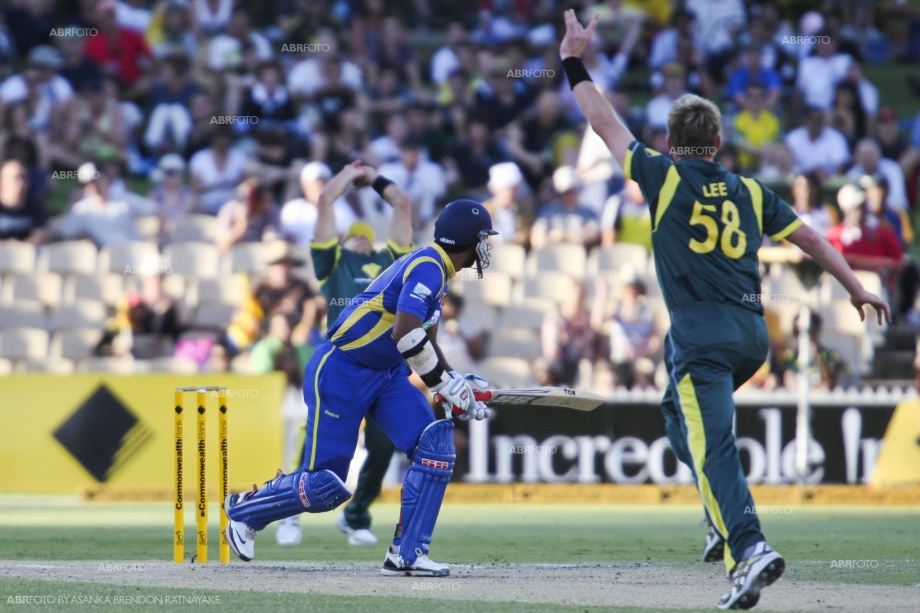 Brett lee celebrates the wicket of Kumar Sangakkara