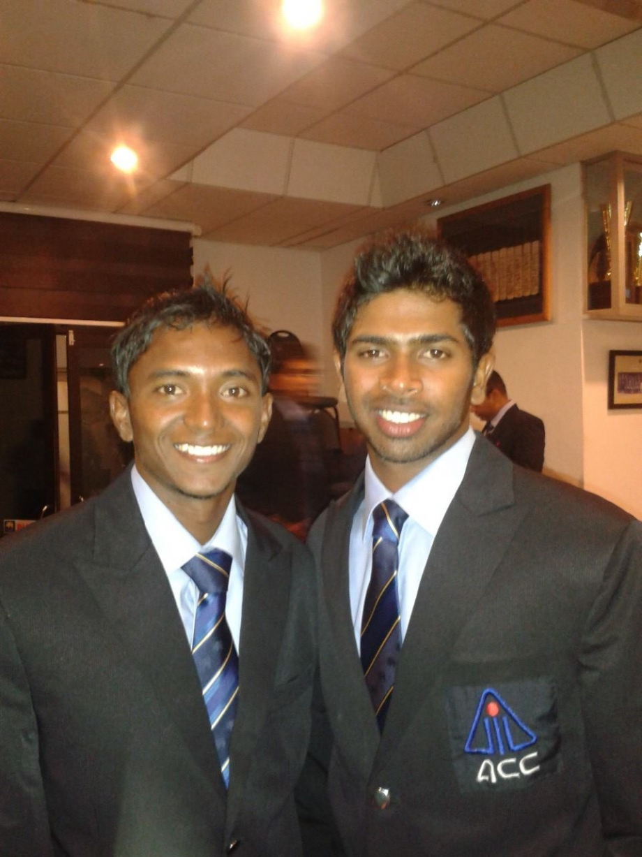 Dananjaya and Dickwella prepare to leave for ACC Emerging Teams Cup 2013