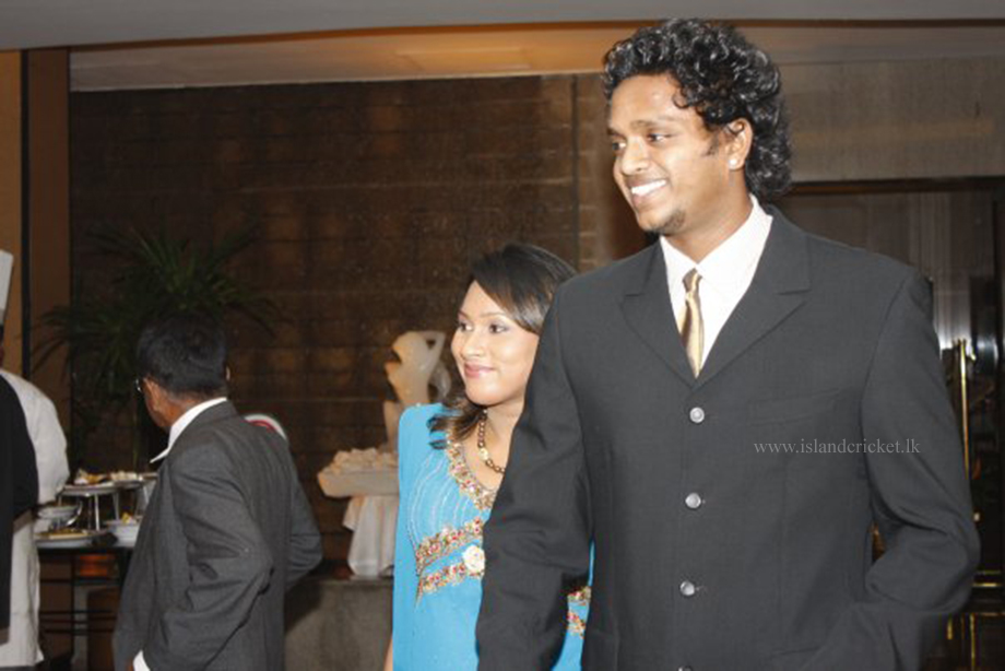 Dilhara Fernando and wife at Kandamby's wedding