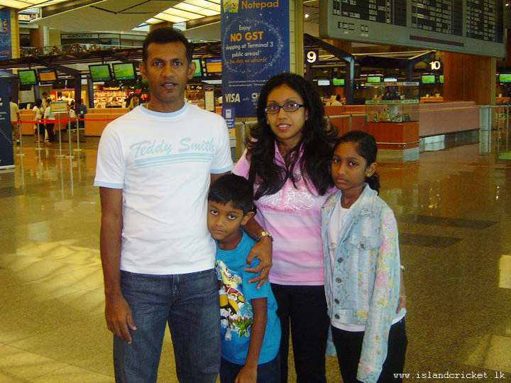 Ruwan Kalpage and family pose for a photograph