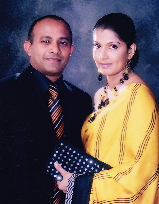 Hashan Tillakaratne and wife Apsari