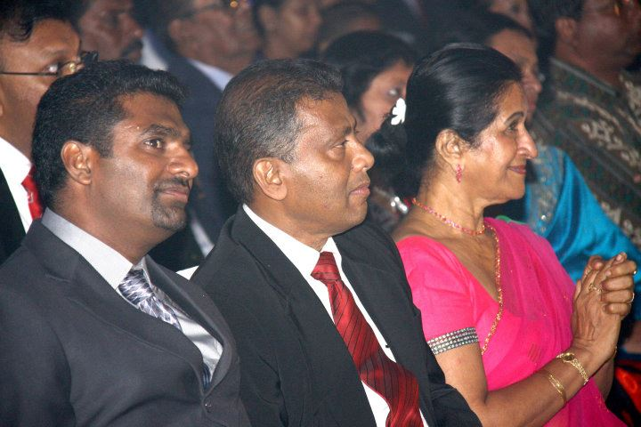 Muralitharan at 2011 Observer-Mobitel Schoolboy Cricketer of the Year award ceremony