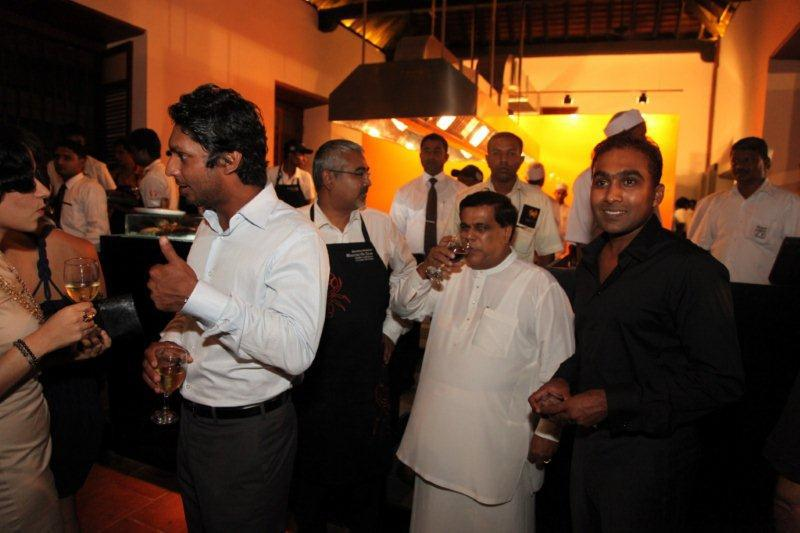 Sangakkara and Mahela at the launch of Ministry of Crab