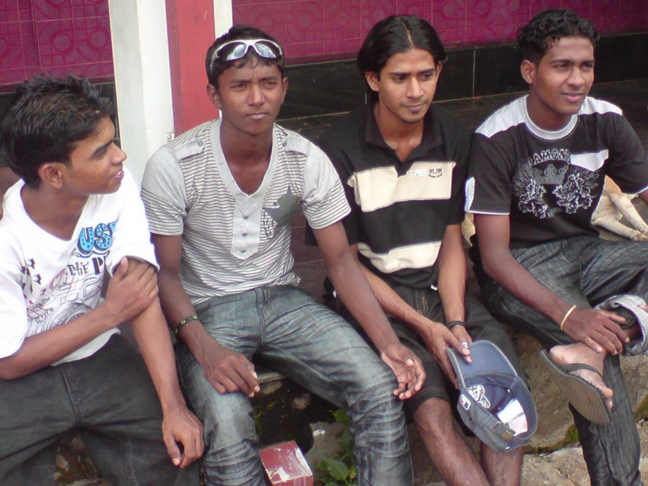 Akila Dananjaya hanging out with his friends