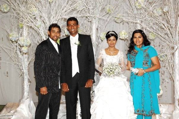 TM Dilshan and Manjula Thilini at Maharoof's wedding