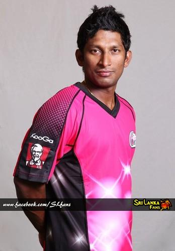 Jeevan Mendis sporting the Sydney Sixers Jersey