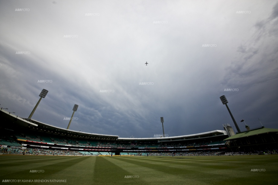 Storms about to come in at the Sydney Cricket Ground