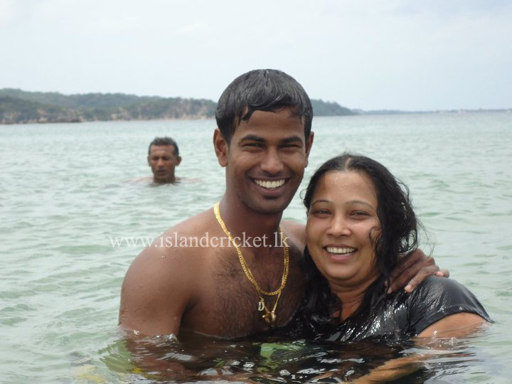 Nuwan Kulasekara and wife at the beach