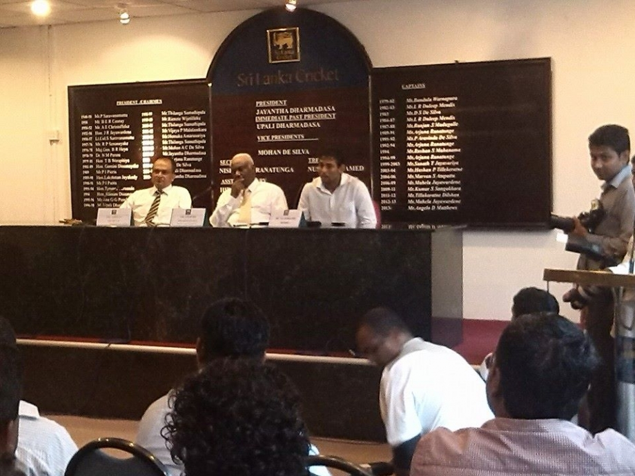 Dilshan announcing his retirement from Test cricket at SLC head-quarters