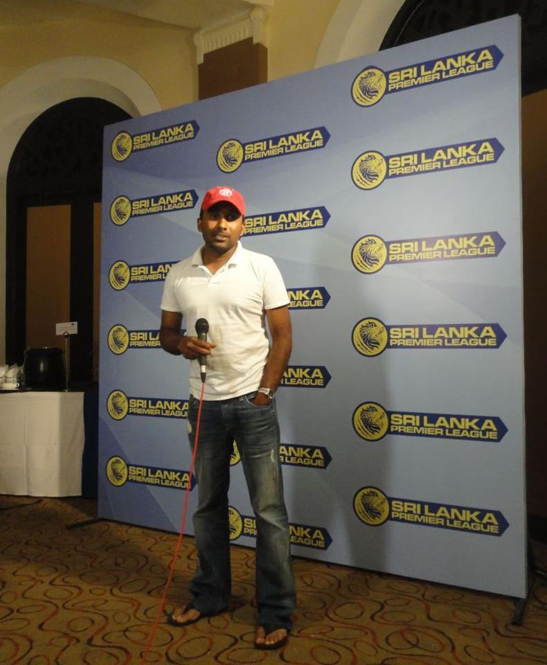 Mahela Jayawardena at SLPL player draft