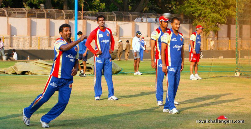 Murali shows Mithun, More and Patel how it's done!