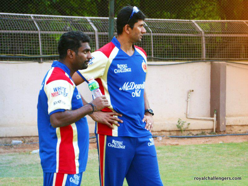 Murali and Venkatesh Prasad at RCB practice session