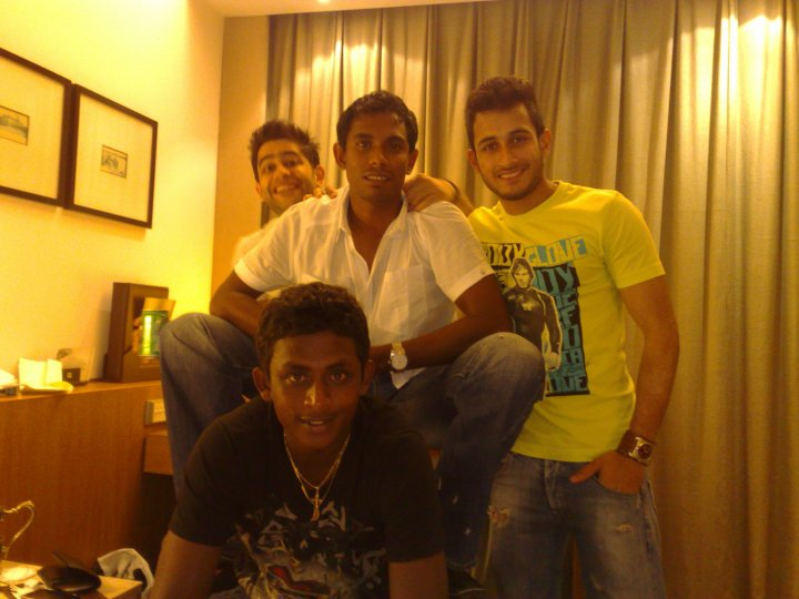 Ajantha Mendis & Thilan Thushara with friends