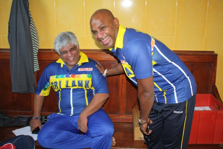 Arjuna and Sanath enjoy a lighter moment