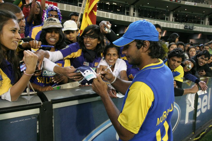 Sangakkara doesn't disappoint his female fans at MCG, Australia