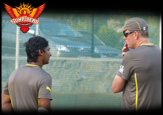 Sangakkara and Moody at a Sunrisers Hyderabad practice session
