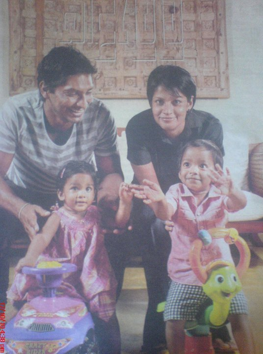 Sangakkara and Yehali with kids - Swyree & Kavith