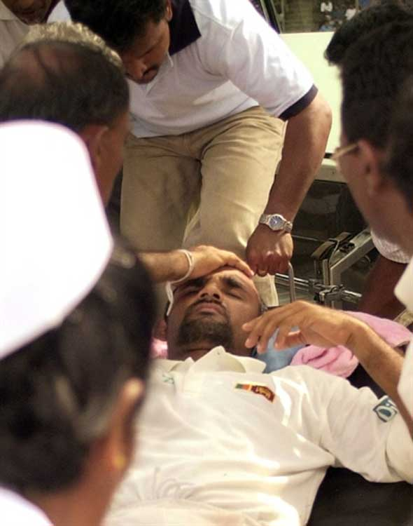 Photo: Atapattu suffers concussion.
