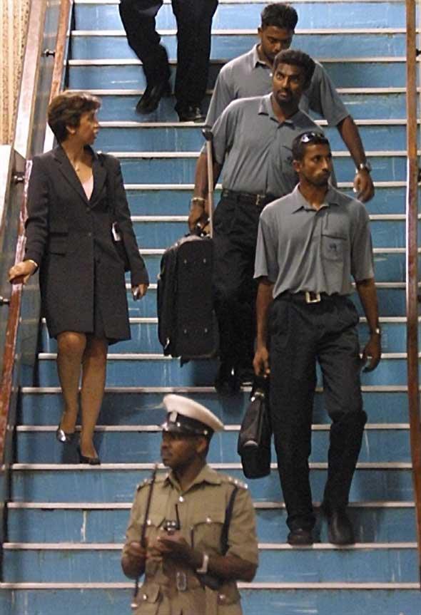 Photo: Arnold, Muralitharan and Fernando in Kenya.