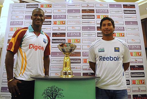Sangakkara and Sammy pose with ODI trophy