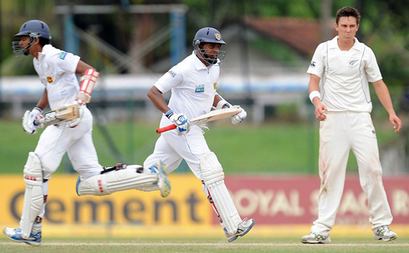 Randiv and Samaraweera rescue Sri Lanka