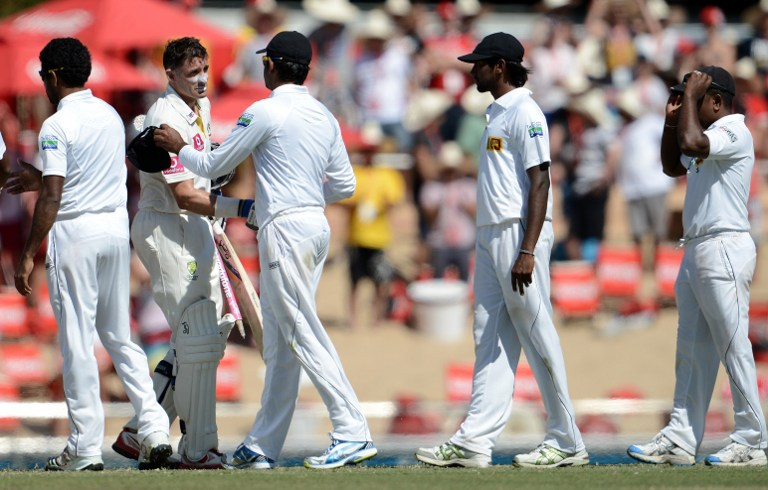 Sri Lankans wish Hussey after his last Test match