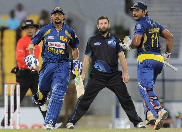 Sangakkara and Dilshan put on 100-run partnership
